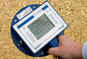 Moisture analysis at any location